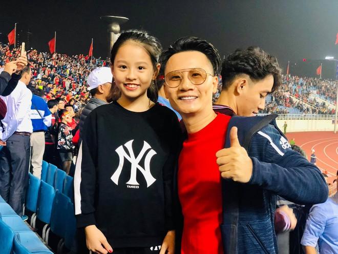 Hoài Linh cảm ơn Tiến Linh, Bảo Anh đăng ảnh gợi cảm mừng chiến thắng - Hình 2