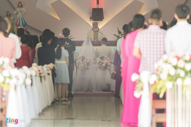 Là khách mời hiếm hoi trong đám cưới của Bảo Thy, Thúy Ngân bị áp lực vì yêu cầu 'quá khắt khe' từ chủ tiệc - Hình 13