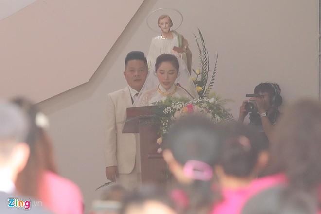 Là khách mời hiếm hoi trong đám cưới của Bảo Thy, Thúy Ngân bị áp lực vì yêu cầu 'quá khắt khe' từ chủ tiệc - Hình 12