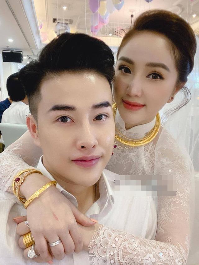 Mỹ nhân Việt lấy chồng vàng trĩu cổ kim cương nặng tay, xịn xò nhất vẫn không ai qua nổi Đông Nhi - Hình 1
