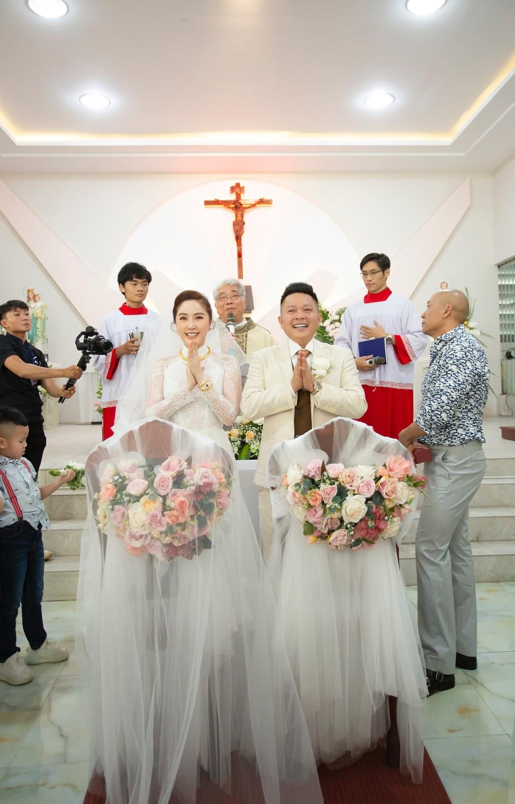 Sau làm lễ ở thánh đường, Bảo Thy bất ngờ viết status dài nói về chồng đại gia khiến ai cũng bất ngờ - Hình 2