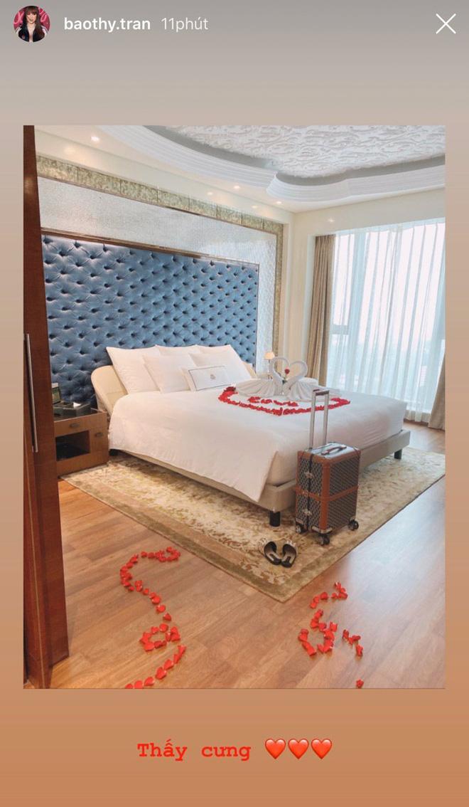 Cô dâu Bảo Thy khoe phòng cưới sang chảnh bên trong khách sạn 6 sao, tiết lộ đang bị bệnh trước giờ G hôn lễ - Hình 1