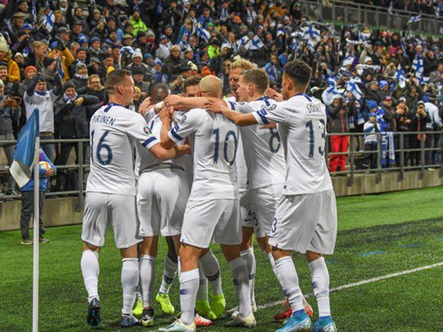 Xác định 12 đội tuyển dự Euro 2020 - Hình 1