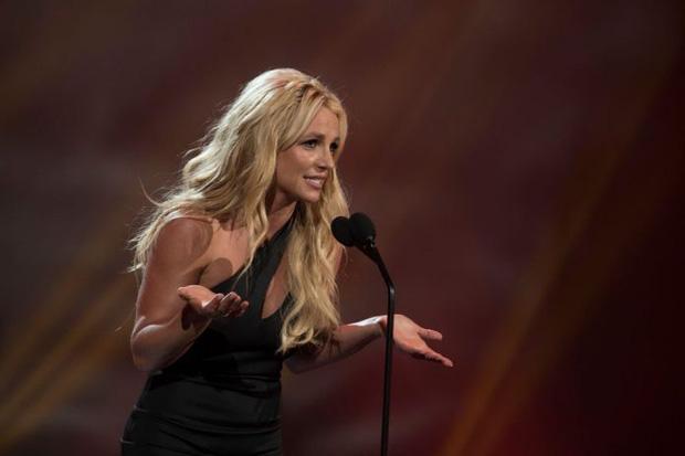 Bạc phận như album của Britney Spears, Lady Gaga, Camila Cabello và loạt sao khác: Bị chủ nhân ghẻ lạnh, cấm phát hành dù đã định ngày lên kệ - Hình 1