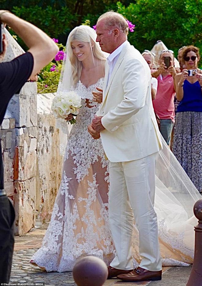 Đám cưới thiên thần Victorias Secret hot nhất Hollywood hôm nay: Đẹp như phim, gia thế khủng của chú rể gây sốt - Hình 2