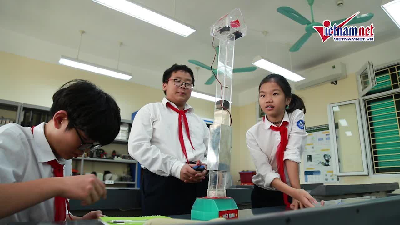 Nhóm học sinh HN giành HCV Quốc tế với hệ thống hãm thang máy rơi tự do - Hình 1