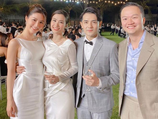 2 năm yêu của Diễm My 9X và bạn trai Việt kiều - Hình 1