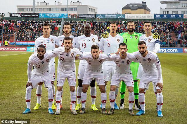 C.Ronaldo ghi bàn thứ 99, Bồ Đào Nha giành vé dự Euro 2020 - Hình 1