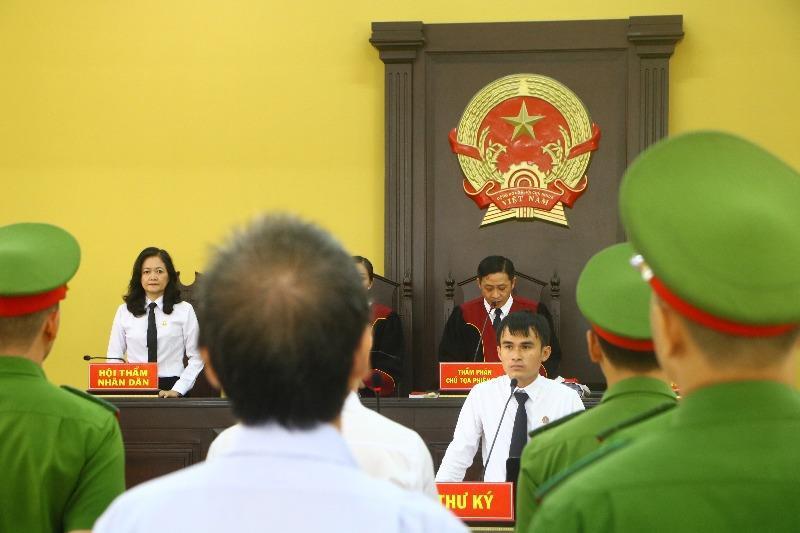 Lại hoãn xử vụ liên quan đến cựu bí thư thị xã Bến Cát - Hình 1