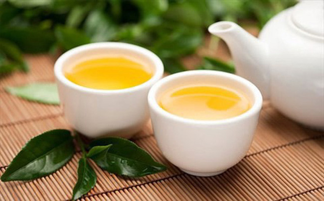 Người đàn ông bị ung thư gan chỉ vì thường xuyên uống trà xanh theo cách này - Hình 2