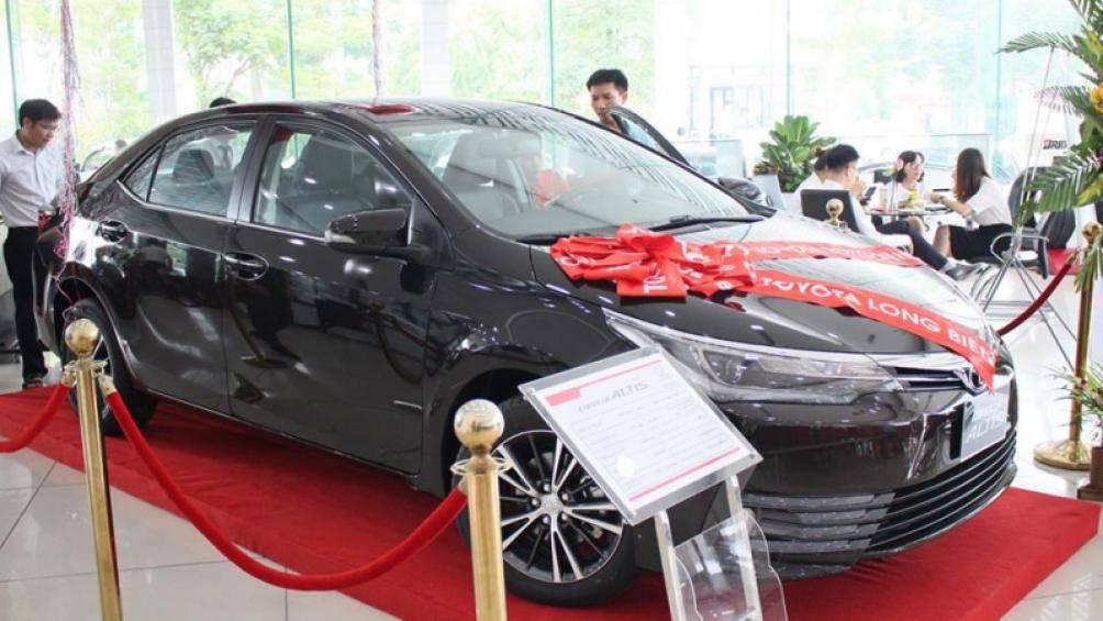 Giá ô tô giảm mạnh, nên mua xe mới hay cũ? - Hình 2