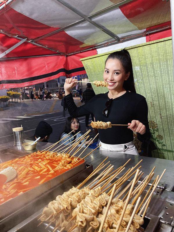 Hoa hậu Tiểu Vy tiết lộ bí quyết ăn thả ga mà vẫn không bị tăng cân - Hình 1