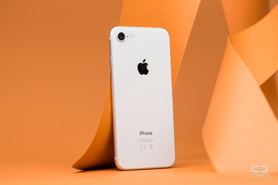 Không cần chờ iPhone SE2, iPhone 8 là smartphone nhỏ gọn tốt nhất - Hình 1