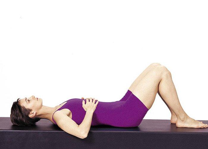 Mệt mỏi vì tập luyện, chị em đã biết các cách giảm cân không tốn sức, chỉ cần ngồi thở? - Hình 2