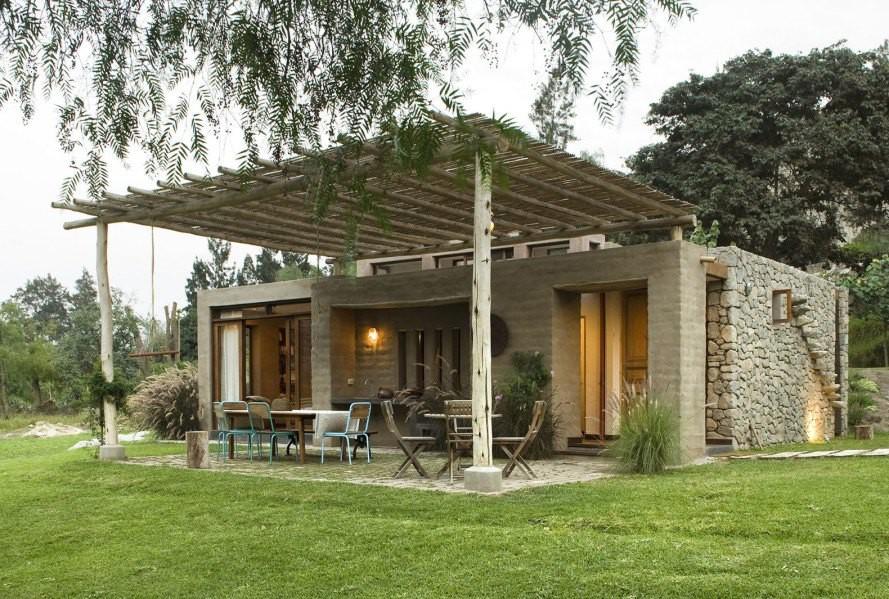Nhà gỗ đất sét ngoài nhìn đơn giản trong có vẻ đẹp gây nghiện - Hình 1