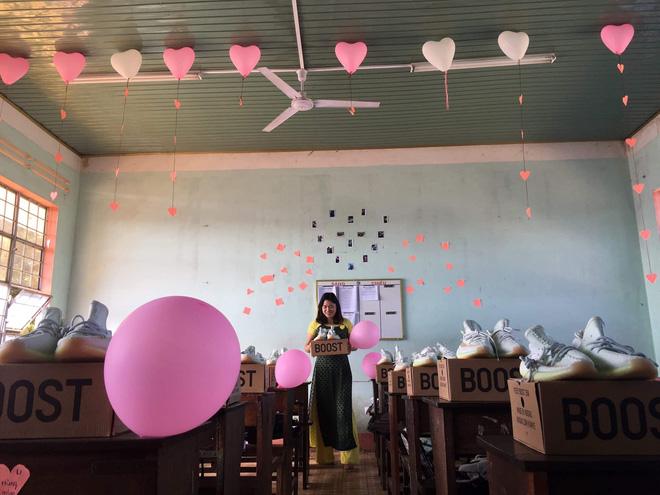 Nhóm nữ sinh chuẩn bị món quà đặc biệt trong ngày Quốc tế Nam giới khiến tất cả phải trầm trồ - Hình 2
