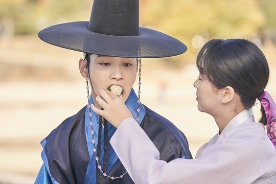 Phim của Jang Nara quay trở lại dẫn đầu rating đài trung ương, hạ gục phim của Kim So Hyun - Hình 2