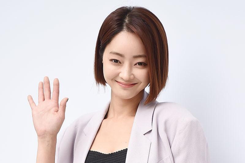 Em gái quốc dân IU tiết lộ tình bạn thân thiết hiếm có với Yoo In Na - Hình 2