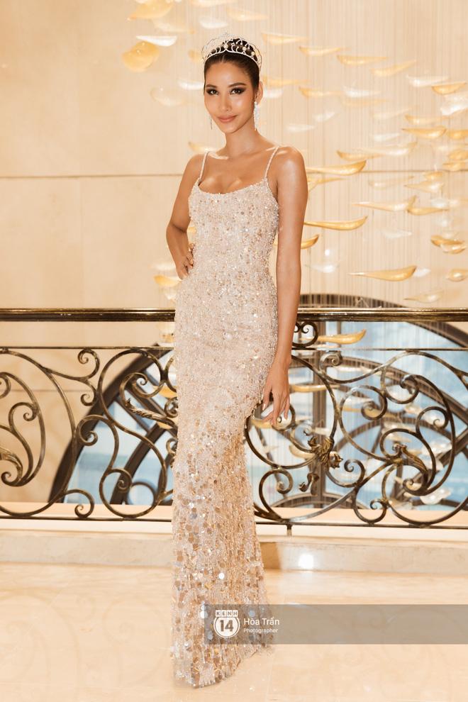 HHen Niê trao lại sash cho Hoàng Thùy - đại diện Việt Nam kỳ vọng sẽ về mang vương miện Miss Universe đầu tiên! - Hình 2