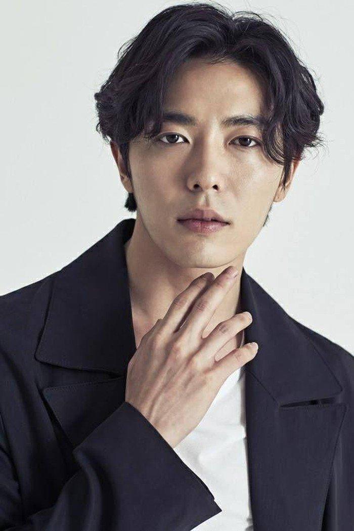 Kim Jae Wook có thể đóng phim tình cảm khoa học viễn tưởng - Kang Haneul là mỹ nam khi còn bé - Hình 1