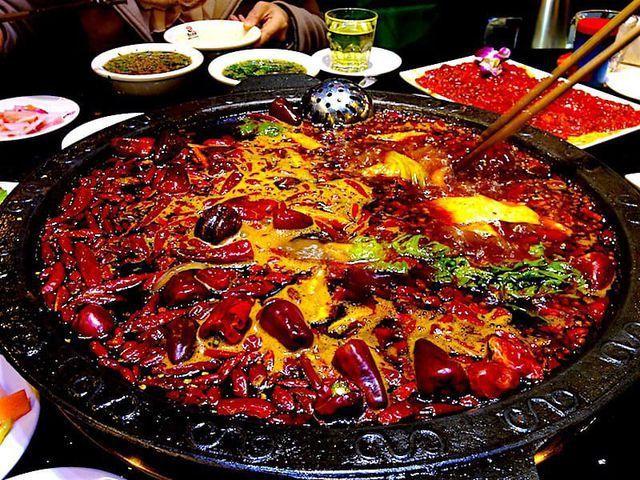 Chảy nước mắt nếm thử những món cay xé lưỡi, Việt Nam cũng có đại diện - Hình 1