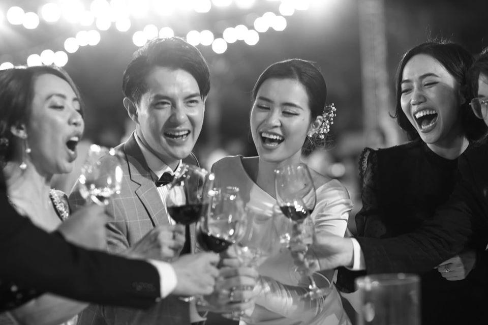 Đông Nhi đăng album ảnh cưới, Ngô Kiến Huy - Jun Phạm giận tím người vì bị dìm tả tơi - Hình 1
