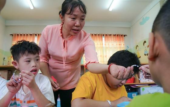 Giải thưởng Võ Trường Toàn lần thứ 22 năm 2019: Bài 5 - Giáo viên giáo dục thường xuyên và chuyên biệt: Lặng lẽ kiếp tằm nhả tơ - Hình 2