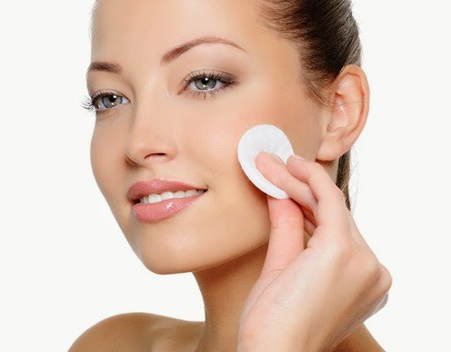 Học ngay cách chăm sóc da dầu mụn đúng cách vào mùa đông - Hình 2