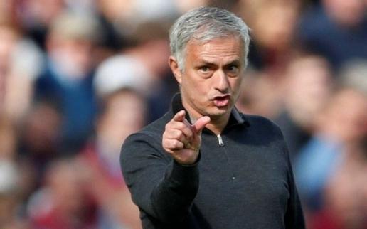 Mourinho ra chỉ thị, Tottenham nhất quyết mang cựu sát thủ MU về London - Hình 1