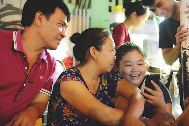 Xôi gà Tân Định' 30 năm ai từng ghé; mẹ bán con phiên dịch với khách Tây - Hình 2