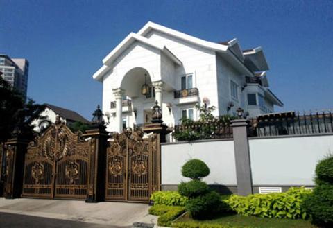 Bên trong biệt thự của dàn mỹ nhân Việt: Dát vàng, sang như khách sạn 5 sao, nhà Hà Tăng lên hẳn KBS Hàn Quốc - Hình 1