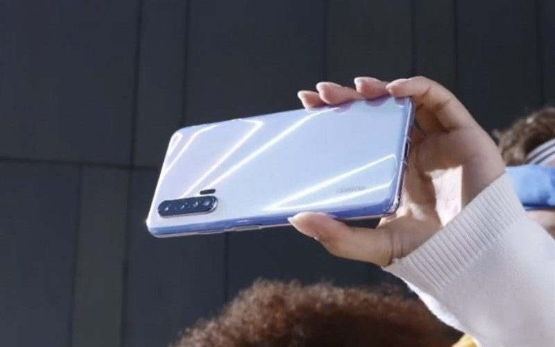 Huawei Nova 6 5G xuất hiện trong video teaser chính thức, tiết lộ thiết kế mặt trước và sau - Hình 2