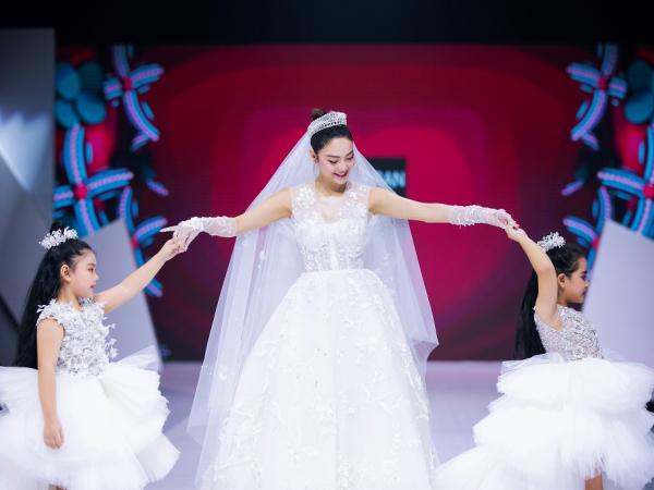 Gợi ý diện váy cưới xuyên thấu đẹp như Minh Hằng - Hình 1