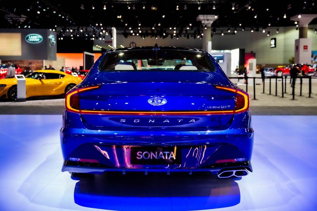 Hyundai Sonata 2020 bóng bẩy, mang cải tiến lớn tới LA Auto Show 2019 - Hình 2
