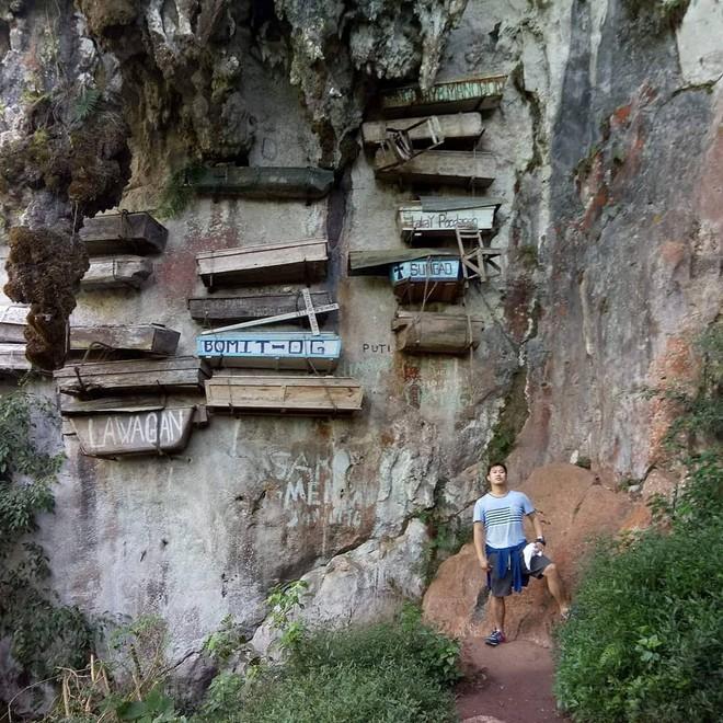 Tục treo quan tài trên vách đá ở Philippines - Hình 1
