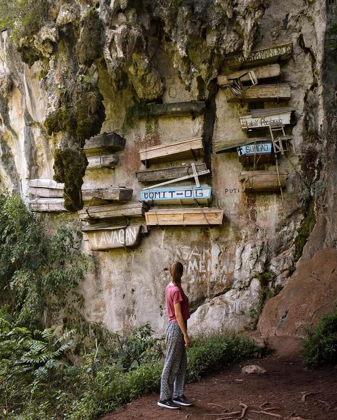 Tục treo quan tài trên vách đá ở Philippines - Hình 2