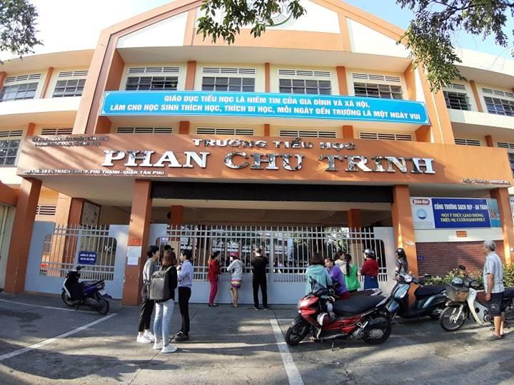 Vụ cô giáo đánh học sinh bị camera ghi hình: TP.HCM đề nghị UBND quận Tân Phú làm rõ - Hình 1