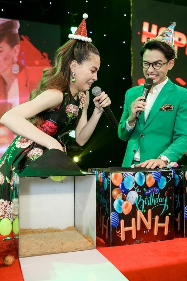 Hồ Ngọc Hà được fan bí mật tổ chức sinh nhật - Hình 3