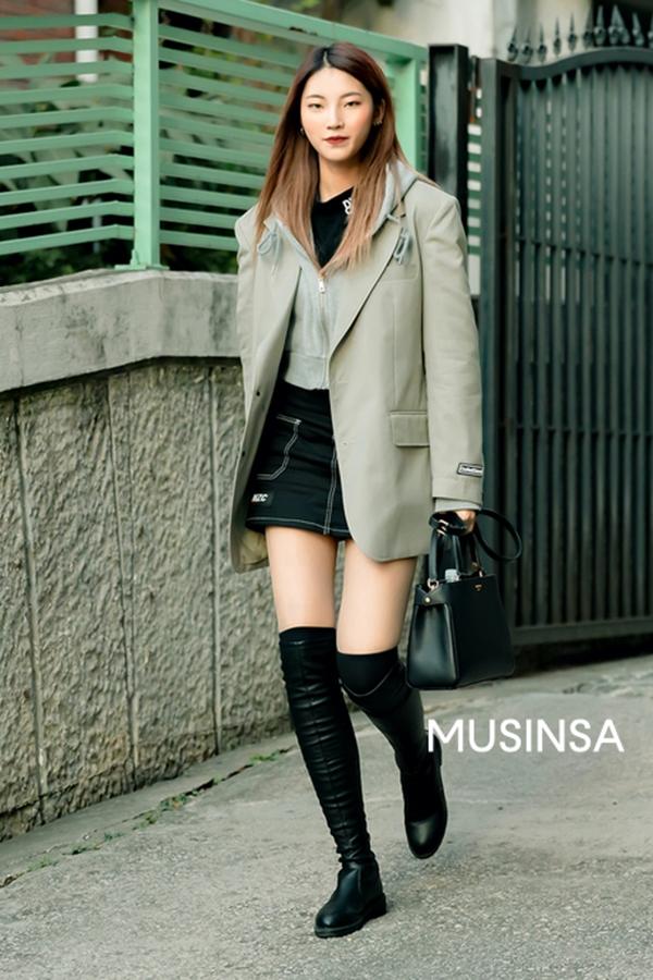 Street style giới trẻ Hàn tuần qua: bánh bèo hay cá tính, phong cách nào cũng có và đều đẹp ngất ngây - Hình 3