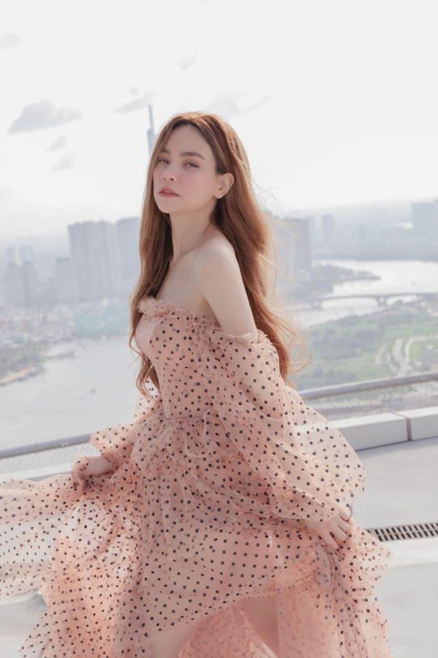 Bí quyết gì giúp Hà Hồ đón sinh nhật 35 vẫn tươi trẻ như gái đôi mươi - Hình 3