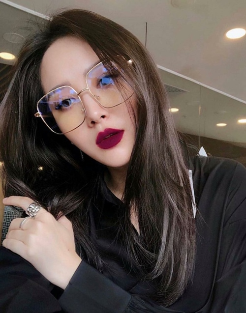 Những kiểu tóc xinh tôn nét đẹp của cô nàng đeo kính - Hình 2