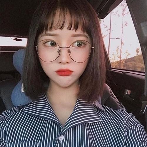 Những kiểu tóc xinh tôn nét đẹp của cô nàng đeo kính - Hình 5