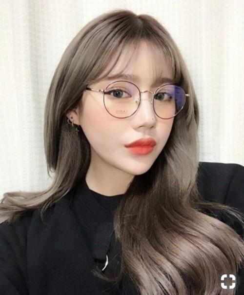 Những kiểu tóc xinh tôn nét đẹp của cô nàng đeo kính - Hình 3