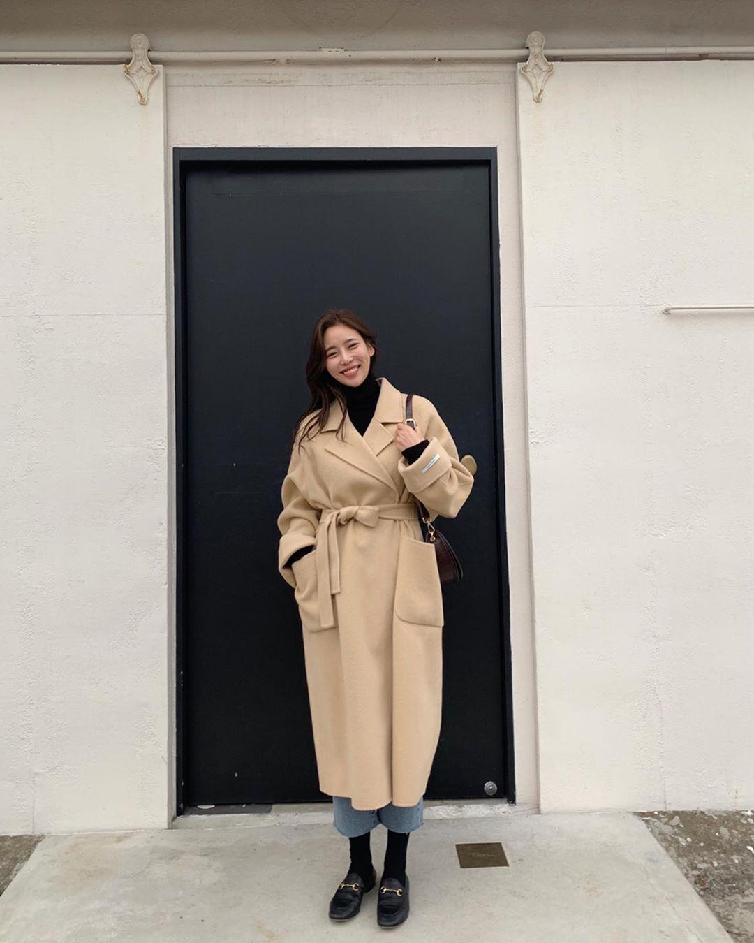 Trời chuyển lạnh, chị em cần trau dồi ngay 4 tips diện áo khoác giúp vóc dáng như gầy đi vài kilogram - Hình 7