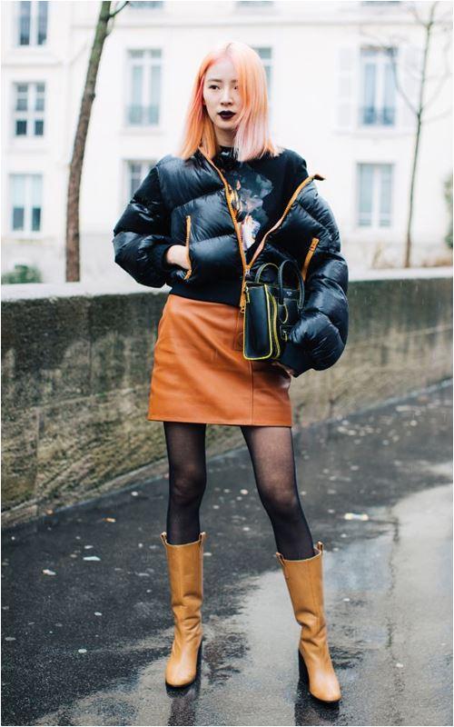 3 cách để trời lạnh co ro vẫn tự tin mặc váy điệu đà - Hình 4