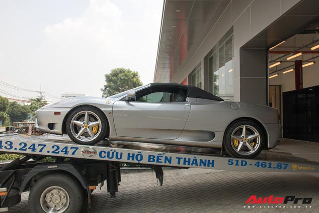 Ferrari 360 Spider siêu hiếm của đại gia bất động sản bất ngờ xuất hiện tại showroom chính hãng - Hình 1