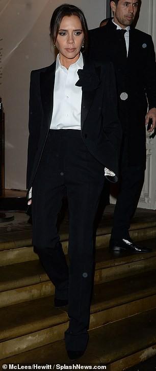 Victoria Beckham diện vest thanh lịch dự tiệc Giáng sinh sớm - Hình 6
