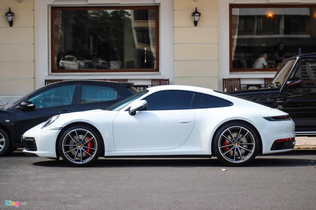 Vợ chồng Cường Đô La tậu Porsche 911 Carrera S giá gần 8 tỷ - Hình 2