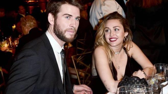 Trong lúc hạnh phúc bên tình mới Cody Simpson, Miley Cyrus vẫn tìm cách quay lại với chồng cũ Liam Hemsworth? - Hình 1