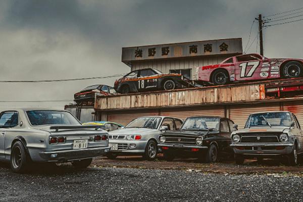 Tiếc nuối nghĩa địa xe cũ, hàng trăm siêu xe cổ bị bỏ rơi la liệt - Hình 2